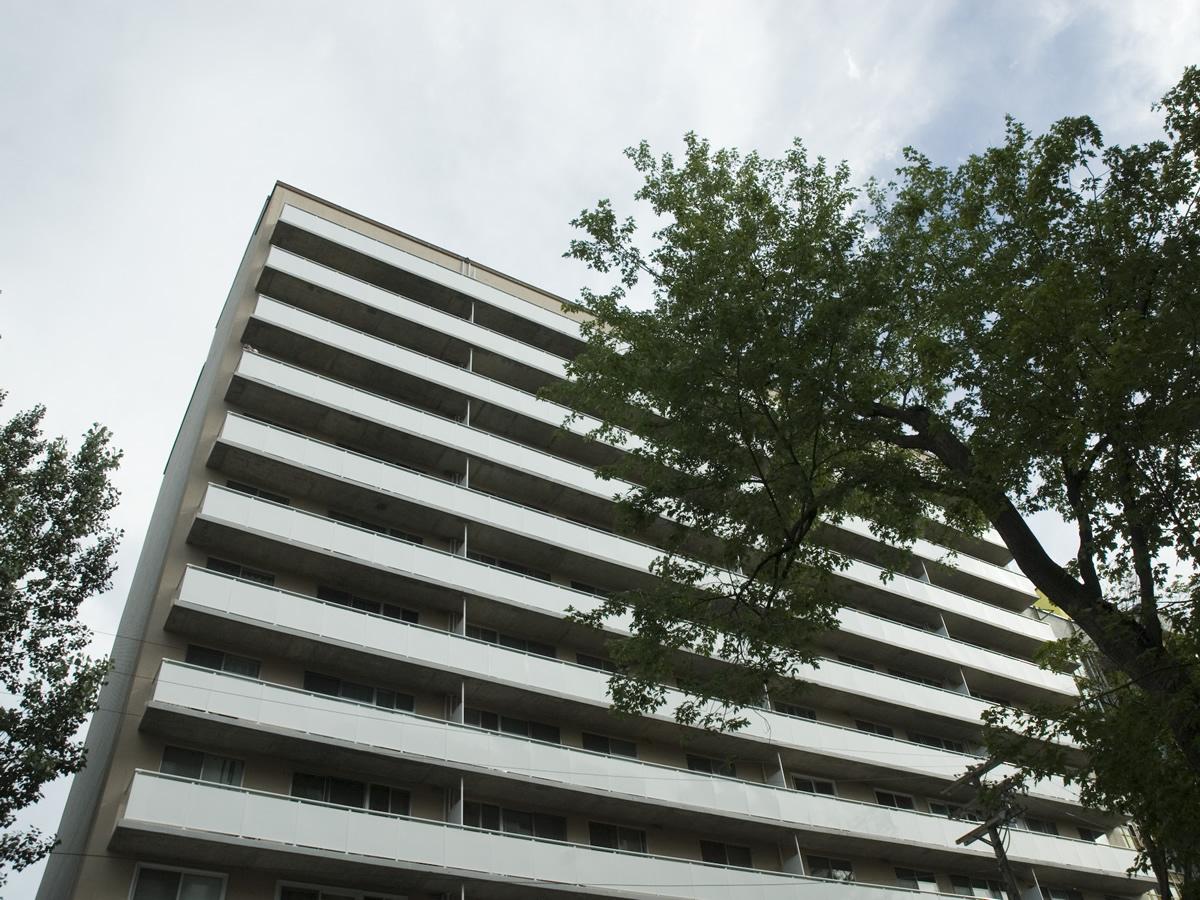 Waldorf exterior